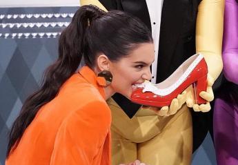 H Kendall Jenner έφαγε... παπούτσια και άλλα περίεργα πράγματα [βίντεο] - Κεντρική Εικόνα