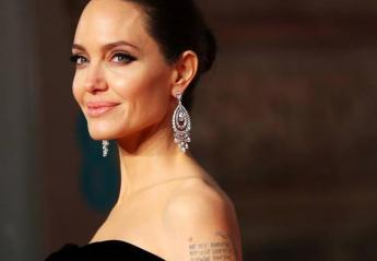 H Angelina Jolie βρήκε νέο αμόρε που μοιάζει πολύ στον Brad Pitt; [εικόνες] - Κεντρική Εικόνα