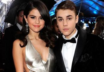Μια φαν εντόπισε τους Selena Gomez και Justin Bieber να βολτάρουν μαζί  - Κεντρική Εικόνα