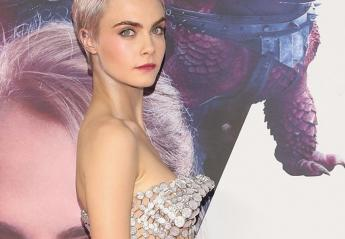 "H Cara φόρεσε ένα ακόμη ""γυμνό"" φόρεμα και έκανε τα μαλλιά της ροζ [εικόνες] - Κεντρική Εικόνα"