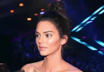 H Kendall Jenner τόλμησε το πιο hot trend στο μακιγιάζ ματιών  - Κεντρική Εικόνα