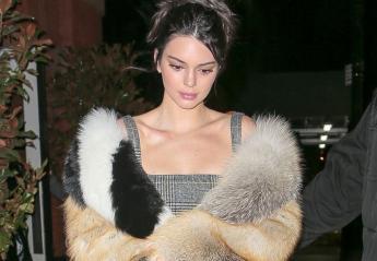 H Kendall Jenner μας αποδεικνύει πως τα 90s είναι το πιο hot fashion trend - Κεντρική Εικόνα
