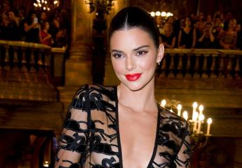 To ολόγυμνο στήθος της Kendall Jenner αναστάτωσε το Παρίσι [εικόνες] - Κεντρική Εικόνα