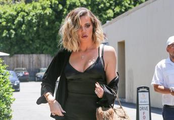 To πιο καυτό μίνι της φόρεσε η Khloe Kardashian [εικόνες] - Κεντρική Εικόνα
