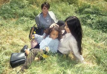 Η Kim Kardashian με την κόρη της και τη μάνα της ποζάρουν σε νέα καμπάνια - Κεντρική Εικόνα