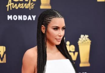 H Kim Kardashian έκλεψε την παράσταση στα βραβεία MTV [εικόνες] - Κεντρική Εικόνα