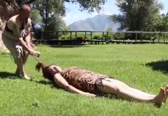 Το πιο... τρελό προσκλητήριο γάμου το είδαμε στην Ελλάδα [βίντεο] - Κεντρική Εικόνα