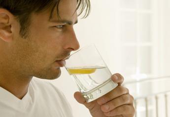 Τι μπορεί να σας συμβεί αν πίνετε καθημερινά νερό με λεμόνι; - Κεντρική Εικόνα