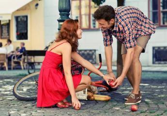 Ποια ζώδια ερωτεύονται με την πρώτη ματιά και ποια θέλουν τον χρόνο τους στον έρωτα; - Κεντρική Εικόνα