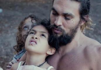 Ένα αφιέρωμα στους μπαμπάδες που γιορτάζουν με τον Jason Momoa [βίντεο] - Κεντρική Εικόνα