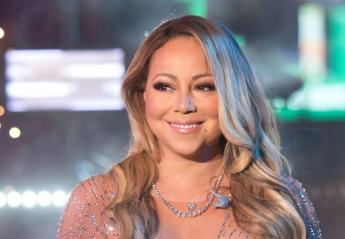 H... αόρατη καρέκλα της Mariah Carey τρέλανε το twitter [βίντεο] - Κεντρική Εικόνα
