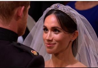 Δείτε το φιλί του Harry στην Meghan μετά τον γάμο τους [βίντεο] - Κεντρική Εικόνα