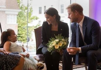 Meghan & Harry έκλεψαν ξανά τις εντυπώσεις και σκόρπισαν χαμόγελα σε παιδιά - Κεντρική Εικόνα