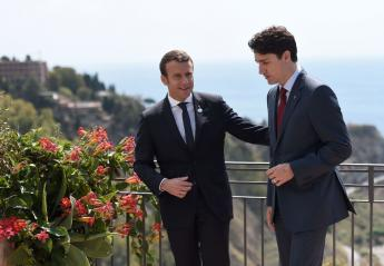 Η συνάντηση Trudeau και Macron προκάλεσε χαμό στο twitter  - Κεντρική Εικόνα