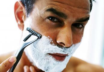 Κόπηκες στο ξύρισμα; 7 tips για να σταματήσεις γρήγορα το αίμα - Κεντρική Εικόνα