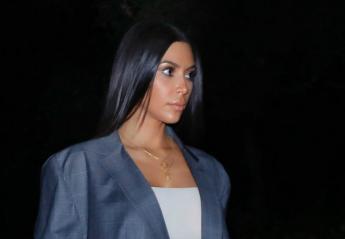 Τώρα η Kim προσπαθεί να κάνει μόδα το over-sized ανδρικό σακάκι - Κεντρική Εικόνα