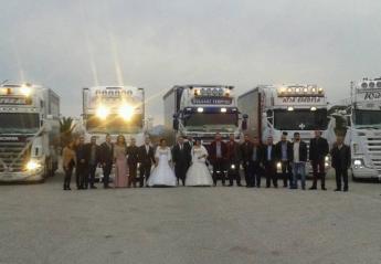 Ένας διπλός γάμος και πολλές νταλίκες ξεσήκωσαν το Αγρίνιο [βίντεο] - Κεντρική Εικόνα