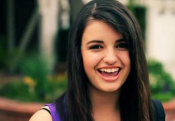 """Θυμάστε την Rebecca Black και το """"μισητό"""" Friday; Έκανε comeback [βίντεο] - Κεντρική Εικόνα"""