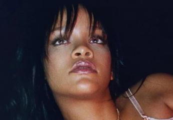 H Rihanna διαφημίζει τα εσώρουχά της με μια πόζα - κόλαση [εικόνα] - Κεντρική Εικόνα