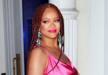 Η Rihanna φόρεσε το πιο καυτό ροζ μίνι φόρεμα στη Νέα Υόρκη [εικόνες] - Κεντρική Εικόνα
