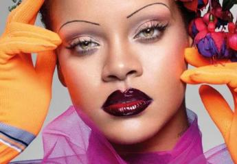 H Rihanna γράφει ιστορία με το νέο της εξώφυλλο στη βρετανική Vogue [εικόνες] - Κεντρική Εικόνα