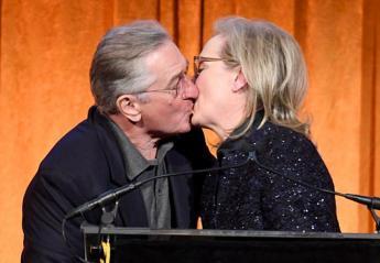 Ο Robert DeNiro φίλησε στο στόμα την Meryl Streep και έβρισε τον Trump - Κεντρική Εικόνα