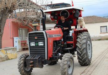 Ηχοσύστημα σε τρακτέρ αγρότη έγινε viral [βίντεο] - Κεντρική Εικόνα