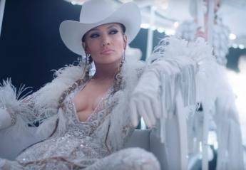 """Πιο σέξι από ποτέ είναι η Jennifer Lopez στο νέο βίντεο του """"Medicine"""" - Κεντρική Εικόνα"""