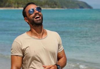 O Σάκης Τανιμανίδης απαντά στο αν θα είναι τελικά παρουσιαστής του Survivor 3 - Κεντρική Εικόνα
