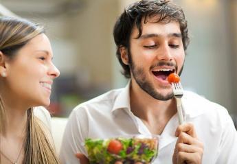 Τρως μόνο σαλάτες για να αδυνατίσεις; Οι 6 λόγοι που μπορεί τελικά να πάρεις κιλά - Κεντρική Εικόνα