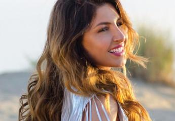 H Έλενα Παπαρίζου είπε αντίο στα εξτένσιονς και ποζάρει με νέο hair look [εικόνα] - Κεντρική Εικόνα