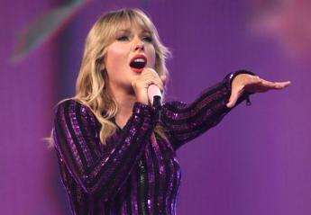 "H ""μεθυσμένη Taylor Swift"" προκαλεί χαμό στο twitter [βίντεο] - Κεντρική Εικόνα"