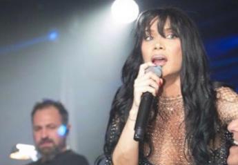 Η Πάολα τρέλανε κόσμο στη Νέα Υόρκη - Εμφανίστηκε on stage ημίγυμνη! [βίντεο] - Κεντρική Εικόνα