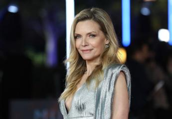 H Michelle Pfeiffer πόζαρε άβαφη και τους τρέλανε όλους [βίντεο] - Κεντρική Εικόνα