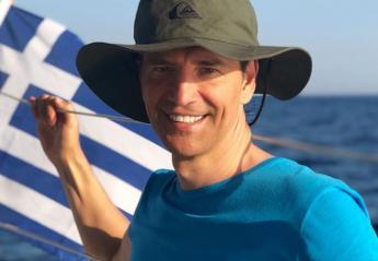 Ο Σάκης Ρουβάς πόζαρε σε σκάφος αγκαλιά με τα παιδιά του [εικόνα] - Κεντρική Εικόνα