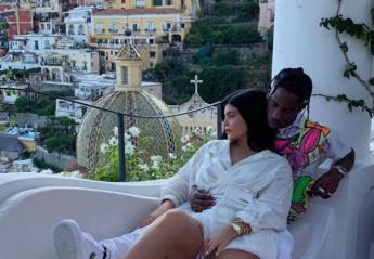 H Kylie Jenner κάνει διακοπές στην Ιταλία [εικόνες] - Κεντρική Εικόνα
