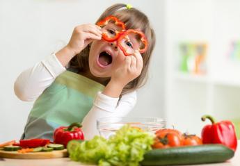 Είναι σωστό ένα παιδί να γίνει vegan; Τι λένε οι ειδικοί για την παιδική χορτοφαγία - Κεντρική Εικόνα