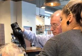 Αυτός ο ηλικιωμένος άντρας έκανε πολλούς να δακρύσουν στο Facebook [βίντεο] - Κεντρική Εικόνα