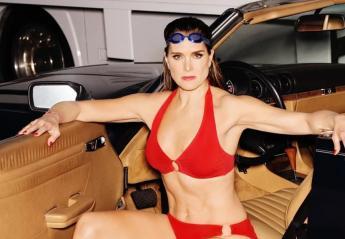 Στα 52 της χρόνια η Brooke Shields ποζάρει με μπικίνι [εικόνες] - Κεντρική Εικόνα
