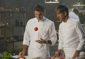 Ανακαλύψαμε τί κάνει ο Federer όταν αφήνει τη ρακέτα του - Κεντρική Εικόνα