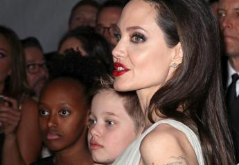 H Jolie πήγε ξανά σε βραβεία μαζί με 2 από τα 6 παιδιά της [εικόνες] - Κεντρική Εικόνα
