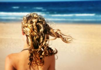 Tips, μύθοι και αλήθειες για να προστατεύσεις τα μαλλιά σου το καλοκαίρι - Κεντρική Εικόνα