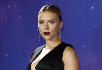 Το αποκαλυπτικό ντεκολτέ της Scarlett Johansson εντυπωσίασε στο Λονδίνο - Κεντρική Εικόνα