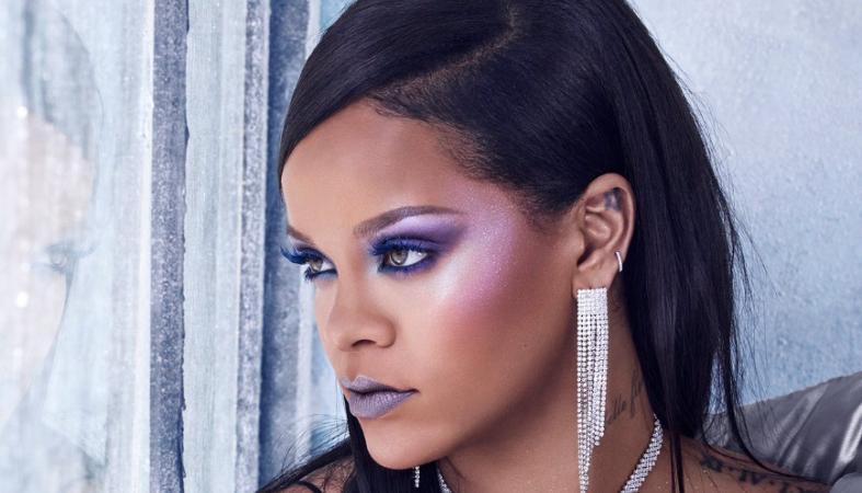 H Rihanna σου δείχνει βήμα - βήμα πως θα κάνεις αυτό το γιορτινό μακιγιάζ [βίντεο] - Κεντρική Εικόνα