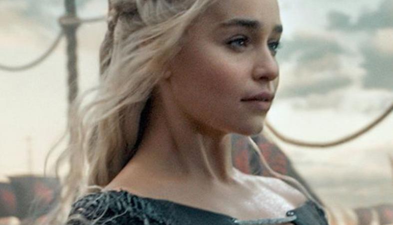 H Emilia Clarke έκανε ένα υπέροχο τατουάζ με τους δράκους του GoT [εικόνα] - Κεντρική Εικόνα