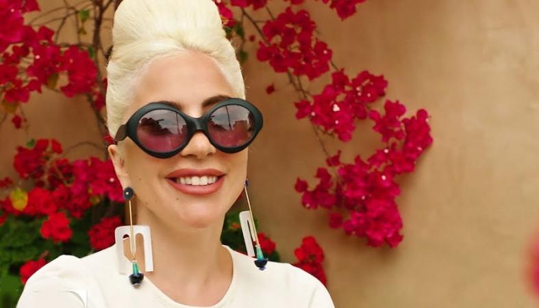H Lady Gaga απάντησε στις γνωστές 73 ερωτήσεις της Vogue [βίντεο] - Κεντρική Εικόνα