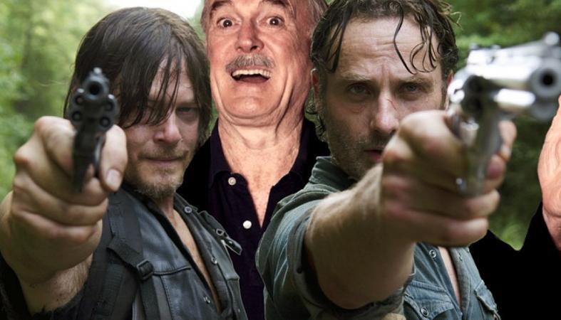 O John Cleese σε μία ανακεφαλαίωση των 6 σεζόν του Walking Dead [βίντεο] - Κεντρική Εικόνα