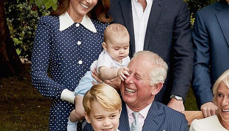 Η στιγμή που ο πρίγκιπας Louis τραβά τη μύτη του διάσημου παππού του  - Κεντρική Εικόνα