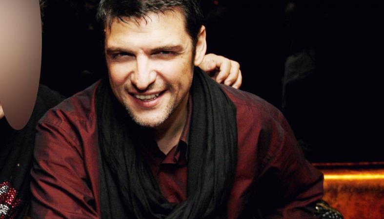 Στο νοσοκομείο βρέθηκε ο τραγουδιστής Χρήστος Αντωνιάδης [εικόνα] - Κεντρική Εικόνα