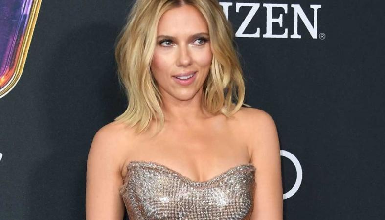 Το σέξι φόρεμα της Johansson έκλεψε τις εντυπώσεις στην πρεμιέρα των Avengers - Κεντρική Εικόνα
